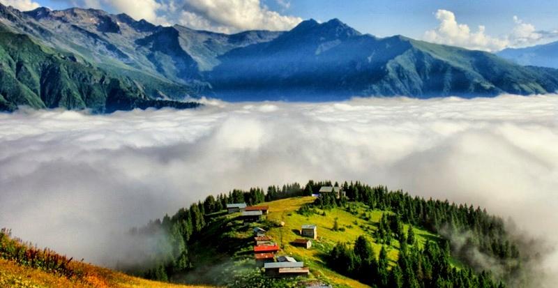 Sis dağı/ bulutlar selam duruyor