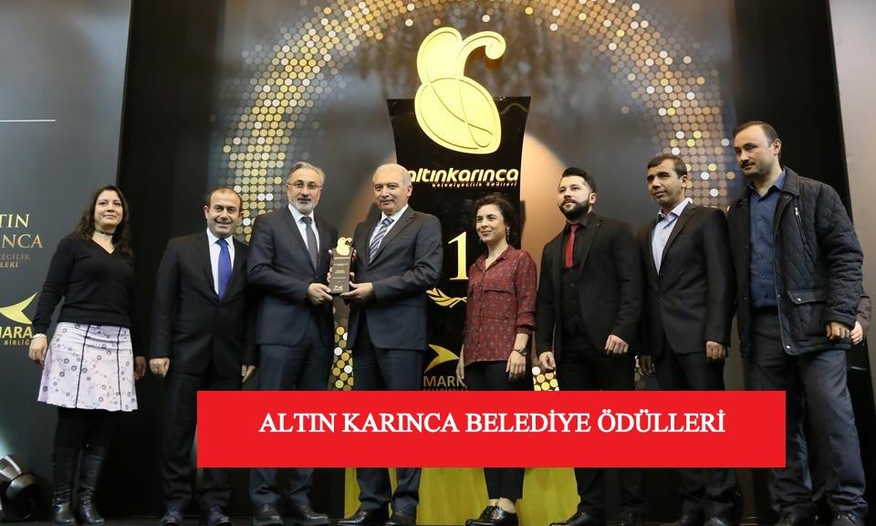 İBB Başkanı Mevlut Uysal, Belediye ödülünü Faruk Aydın'a verdi