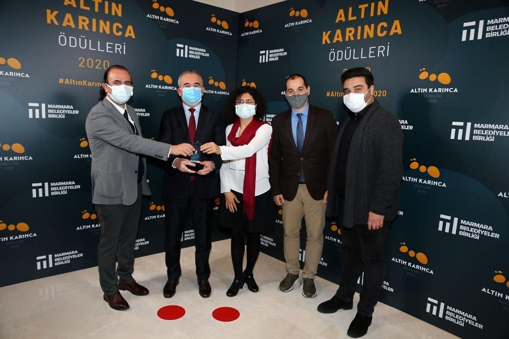 Altın Karınca ödülünü Başkan yardımcısı Ekrem Köse aldı