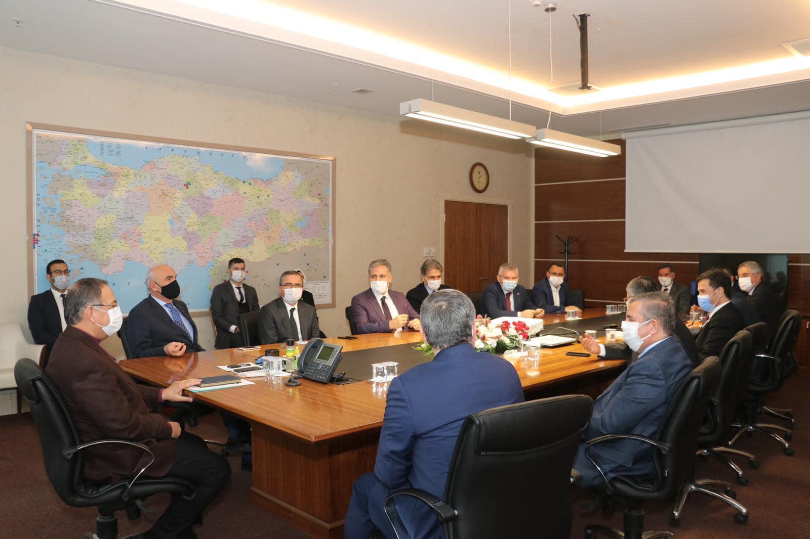 Milletvekili Kadir Aydın, yerel yönetimler toplantısına katıldı